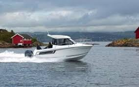 Helpful Tips For Buying Your Very First Boat!